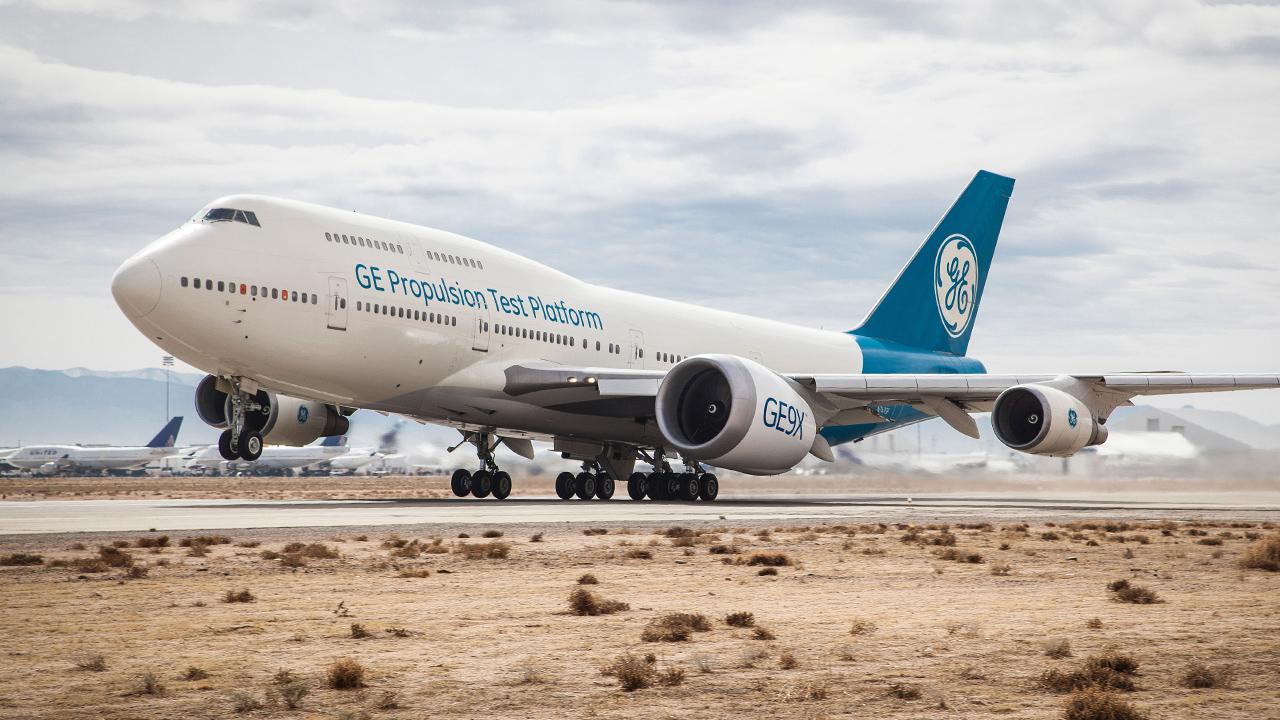 GE9X lentää General Electric -yhtiön Boeing 747-koekoneessa